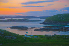 Soluppgång ö av Lewis, Skottland Arkivfoto