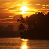 Soluppgång över den Kuala Terengganu staden Arkivbilder