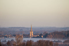 Soluppgång över den Lechlade kyrkan Royaltyfria Foton