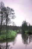 Soluppgång över den sena hösten för flod Royaltyfria Foton