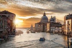 Soluppgång över den stora kanalen Fotografering för Bildbyråer