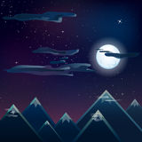Soluppgång över det synliga ljuset för berg fördunklar vektorstjärnor Royaltyfria Foton