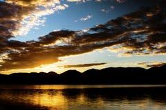 Soluppgång över Flathead Arkivbild