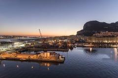 Soluppgång över Gibraltar från ms Queen Elizabeth Royaltyfria Foton