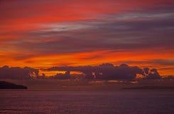 Soluppgång över havet, Funcal arkivfoto