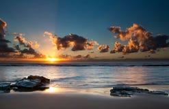 Soluppgång över havet med sun'sens reflexion Royaltyfria Foton