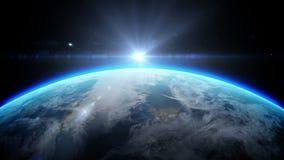 Soluppgång över jord som sett från utrymme Med stjärnabakgrund realistisk animering 3d