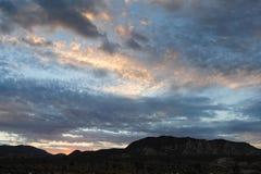 Soluppgång över Joshua Tree National Park Arkivbild