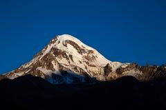 Soluppgång över Kaukasuset Royaltyfria Bilder