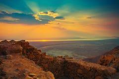 Soluppgång över Masada Arkivfoto