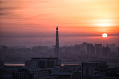 Soluppgång över Pyongyang, DPRK - Nordkorea Arkivbild