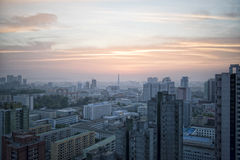 Soluppgång över Pyongyang, DPRK - Nordkorea Royaltyfria Foton