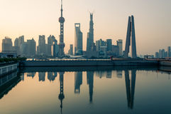 Soluppgång över Shanghai Royaltyfri Fotografi