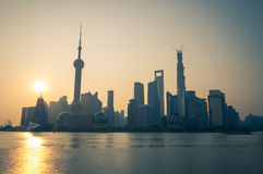 Soluppgång över Shanghai Arkivbild