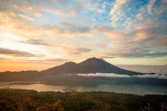 Soluppgång över sjön Batur Fotografering för Bildbyråer