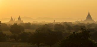 Soluppgång över templen av Bagan, Myanmar Arkivfoton