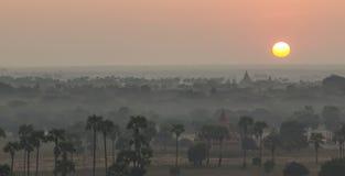 Soluppgång över templen av Bagan, Myanmar Fotografering för Bildbyråer