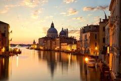 Soluppgång över Venedig Arkivbilder