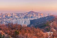 Soluppgång av Seoul stadshorisont, Sydkorea Royaltyfria Foton