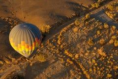 Soluppgång för ballong för varm luft royaltyfri fotografi