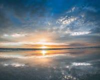 Soluppgång för blå himmel royaltyfri bild