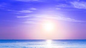 Soluppgång för karibiskt hav Arkivfoton