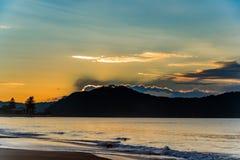 soluppgång för ship för seascape för fartyggryningsegling royaltyfria foton