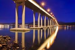 Soluppgång för slut för Tasman brosida royaltyfria bilder