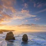 Soluppgång för tolv apostlar, stor havväg, Victoria, Australien Arkivbilder