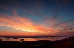 Soluppgång från öde ö för Cadillac bergmontering Royaltyfria Bilder