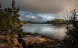 Soluppgång från den Hawsbury floden, NSW Arkivbilder