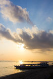 Soluppgång från den Lembongan ön Arkivbilder
