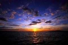 Soluppgång från havet, Thailand Arkivbilder