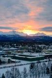 Soluppgång i Alaska över ankring Royaltyfri Foto