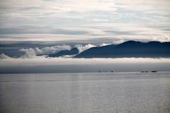 Soluppgång i Alaska Arkivfoton
