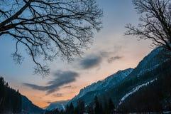 Soluppgång i bergen Royaltyfria Bilder