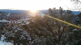 Soluppgång i bergen Arkivfoton