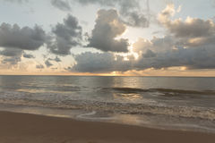 Soluppgång i den Cabo Branco stranden - Joao Pessoa PB, Brasilien arkivfoto