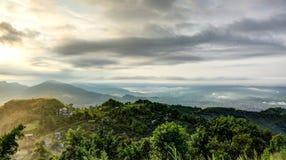 Soluppgång i den Pokhara dalen Fotografering för Bildbyråer
