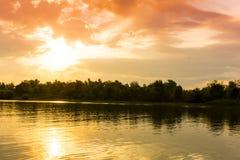 Soluppgång i Donaudelta Arkivfoton
