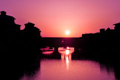 Soluppgång i florence Arkivfoton