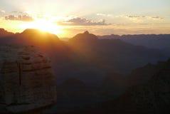 Soluppgång i Grandet Canyon Arkivbilder