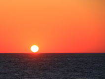 Soluppgång i havet Arkivfoton