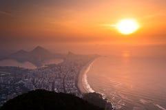 Soluppgång i Rio de Janeiro arkivfoton