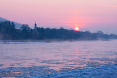 Soluppgång i vintern Royaltyfria Bilder