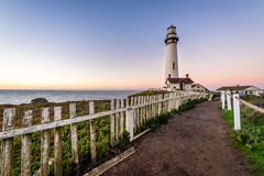 Soluppgång längs den Kalifornien kusten royaltyfria bilder