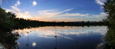 Soluppgång lake Royaltyfria Bilder