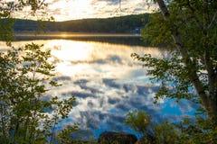 Soluppgång lake Royaltyfri Fotografi