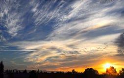 Soluppgång med bergsikt arkivfoton