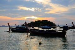 Soluppgång morgonhav, färgrik himmel Royaltyfria Bilder